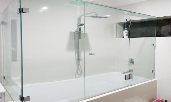 Frameless Shower, Vermont South VIC